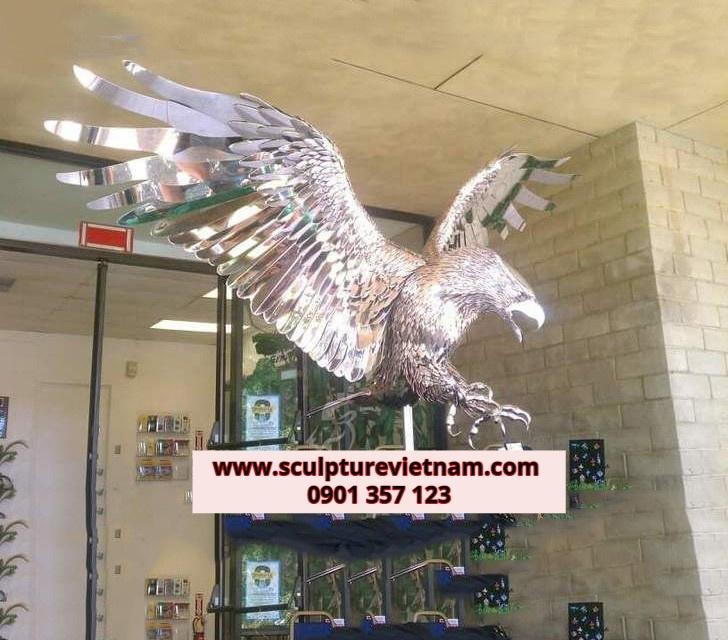 tượng đại bàng đồng